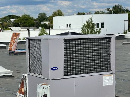 Installation of new Carrier rooftop unit in Oak Park, IL